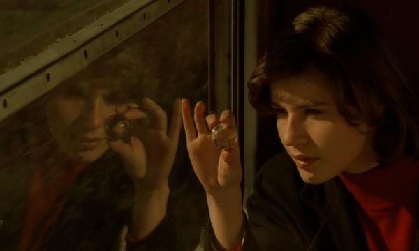 La Double Vie de Véronique (The Double Life of Véronique) - Directed by Krzysztof Kieslowski