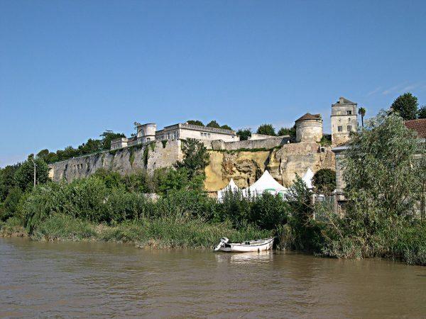Citadelle Chateau Bourg