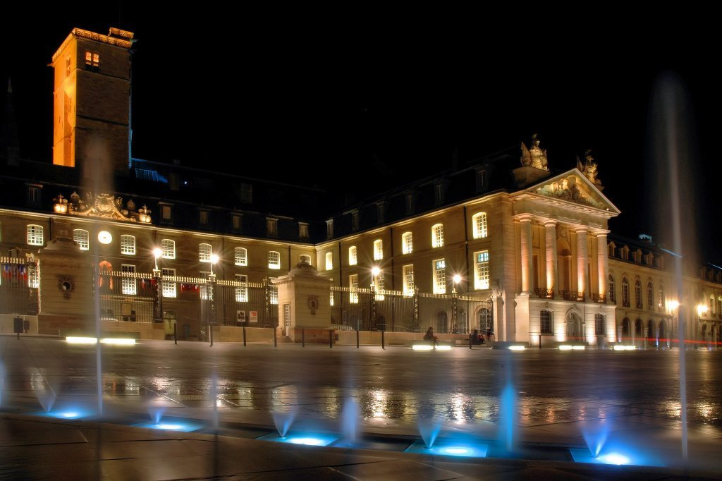 Dijon by night - Place de la libération