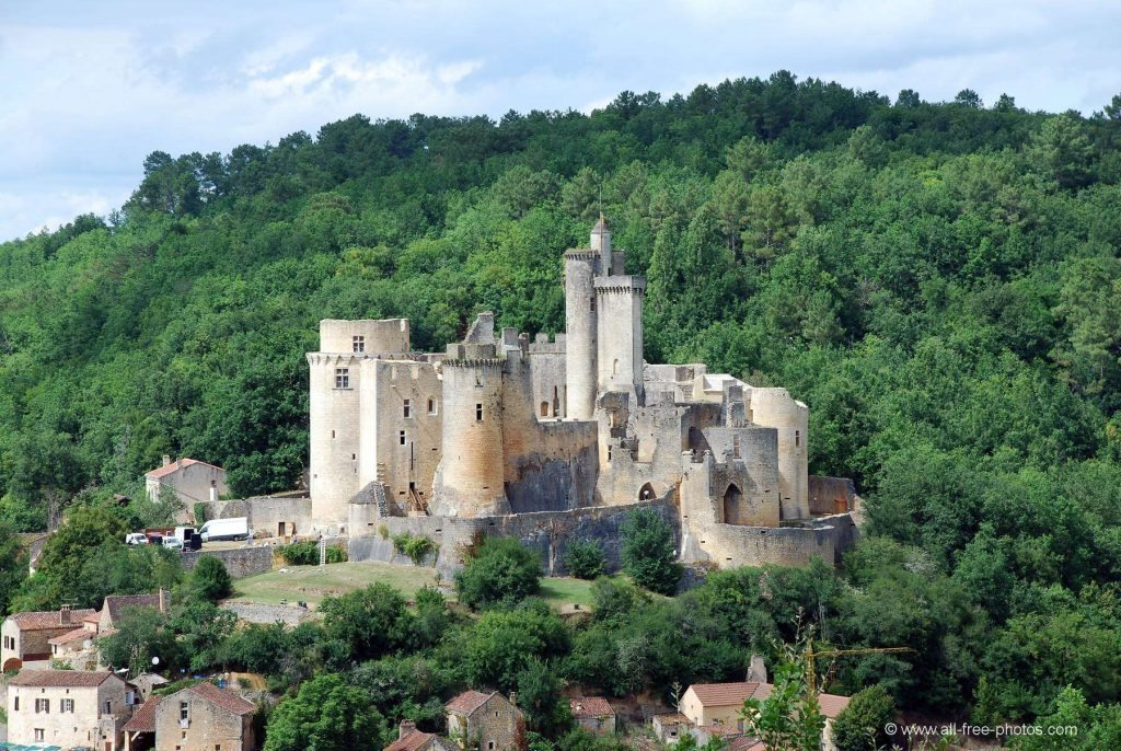 21 Château de Bonaguil www.talkinfrench.com