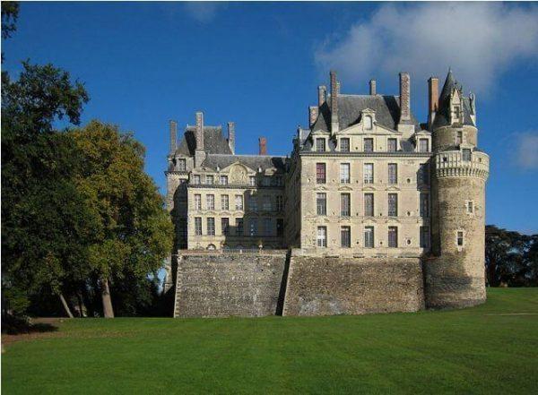 Castle_Brissac