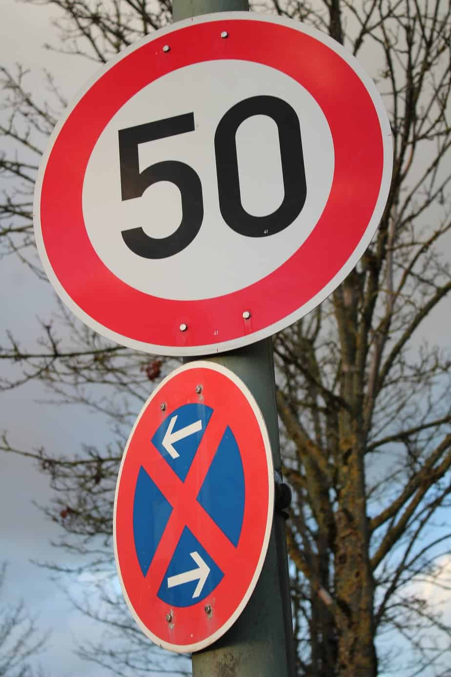 TalkInFrench.com-speed-sign