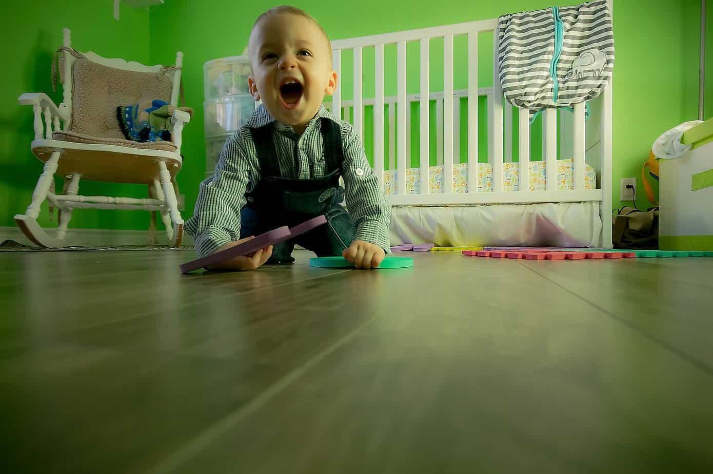 TalkInFrench.com happy baby
