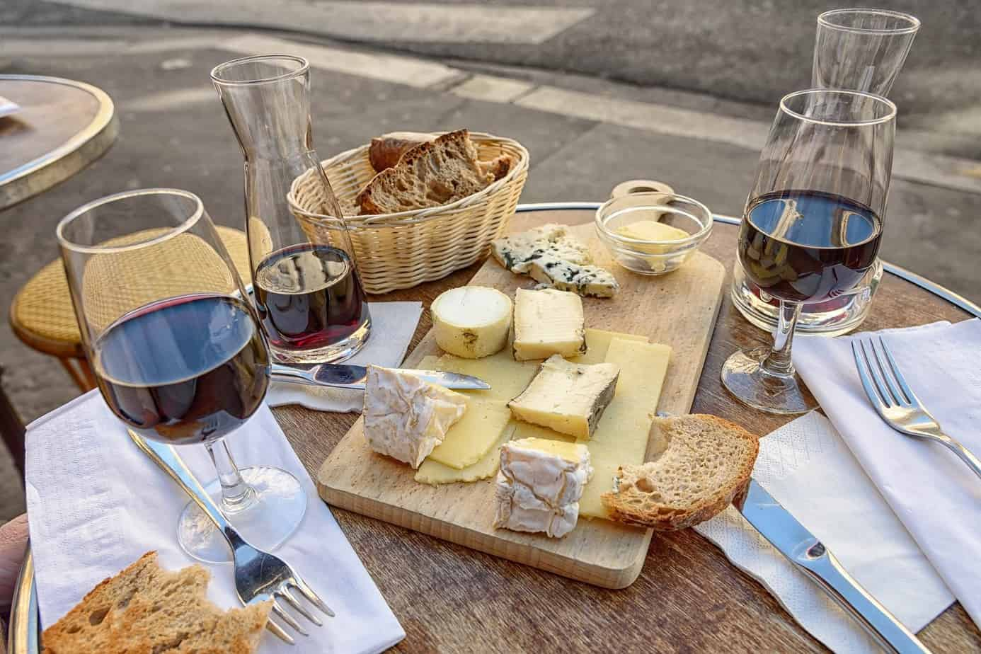 TalkInFrench.com wine and cheese