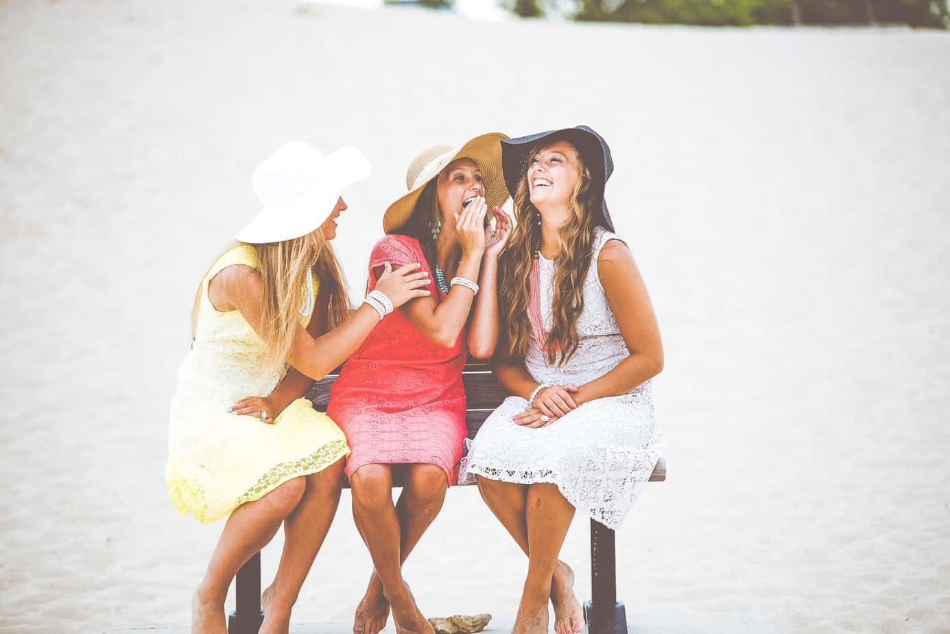 TalkInFrench.com girls laughing